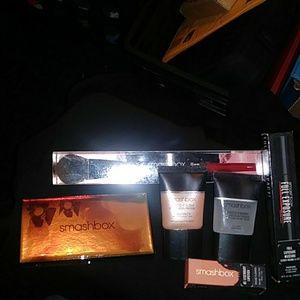 Smash box set of make up